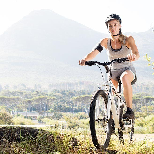 Frau auf Fahrrad | Ramend