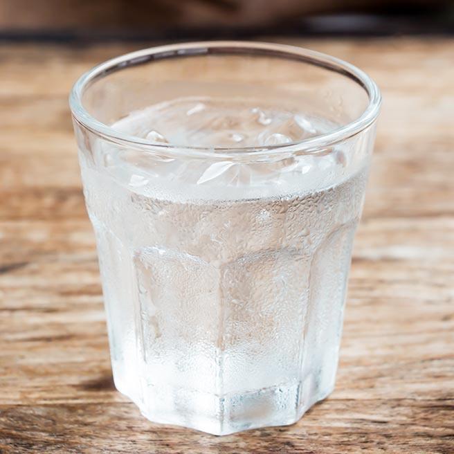 Glas Wasser | Ramend